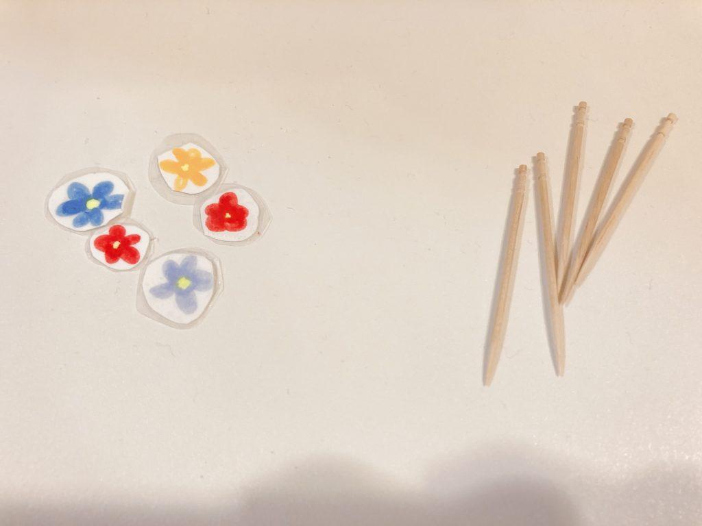 スポンジと爪楊枝のおもちゃの作り方